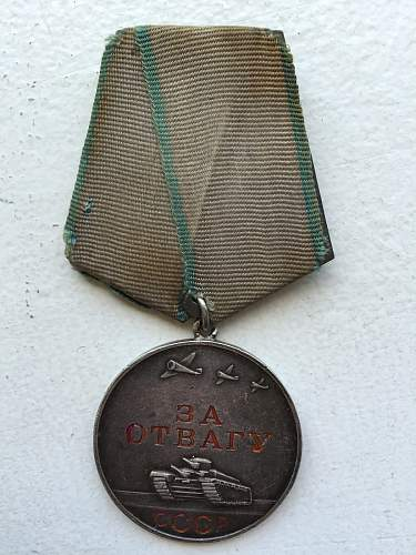 Two campaign medals (Moscow and Leningrad)