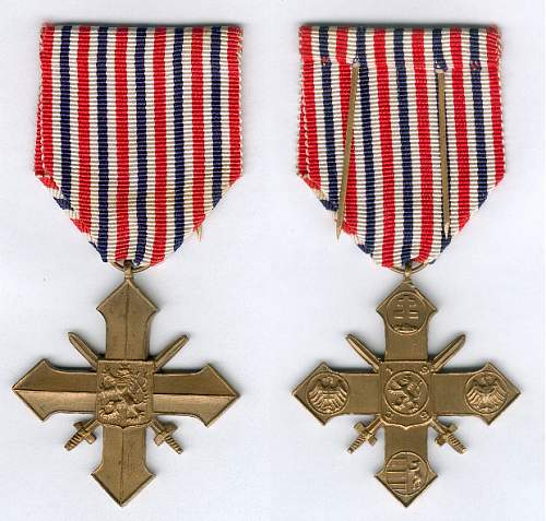 Click image for larger version.  Name:Czechoslovak War Cross 1939 1945 obv and rev.jpg Views:22 Size:52.5 KB ID:1000631