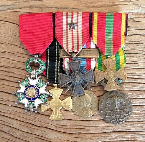 Click image for larger version.  Name:frencj medals set fff.JPG Views:1 Size:163.4 KB ID:1105869