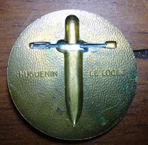 Nice WW II  swiss medal /badge
