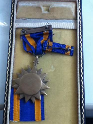 Click image for larger version.  Name:Air Medal 3.jpg Views:104 Size:52.6 KB ID:246942