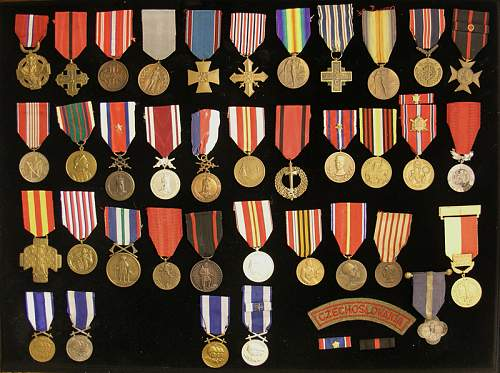 Click image for larger version.  Name:CzechMedals.jpg Views:137 Size:67.4 KB ID:302043