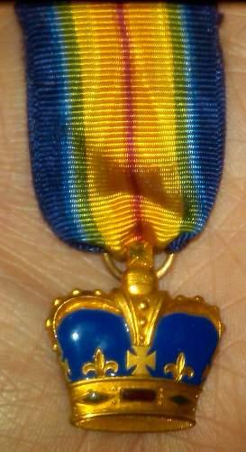 Found at antique store, WWI British mini medal?