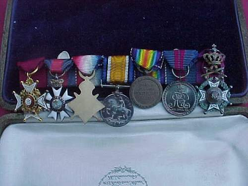 British mini medal bar