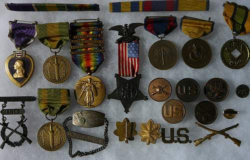 two different Mexican Border Medals in a group?