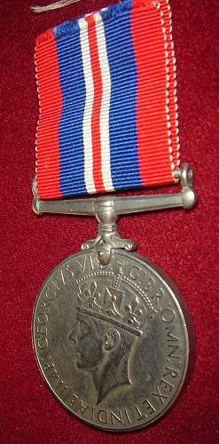 Click image for larger version.  Name:british medalb.jpg Views:80 Size:109.4 KB ID:344106