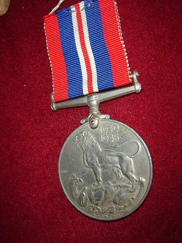 Click image for larger version.  Name:british medala.jpg Views:70 Size:168.8 KB ID:344107