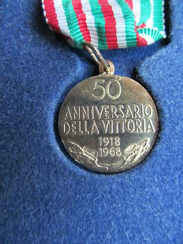 Click image for larger version.  Name:ITALYMEDAL (3).jpg Views:94 Size:224.6 KB ID:425829