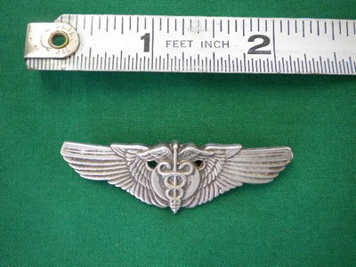 How to determine real Flight Surgeon Wings