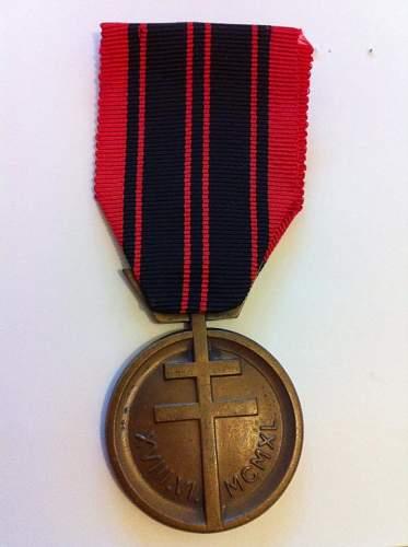 Click image for larger version.  Name:Resistance Medal 1.jpg Views:64 Size:62.1 KB ID:437930