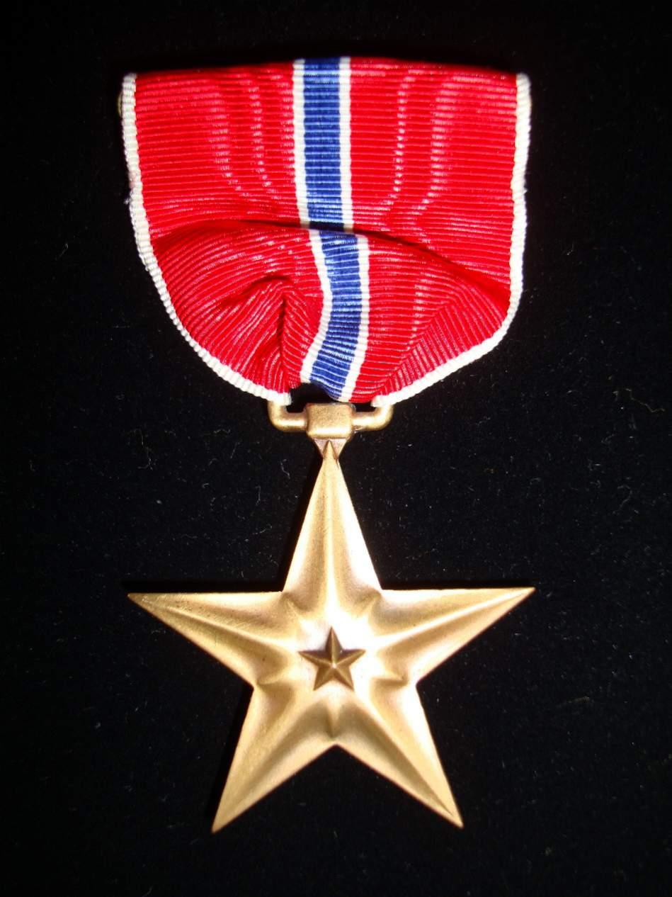 [Слика: 45035d1246929334-ww2-us-bronze-star-star1.jpg]