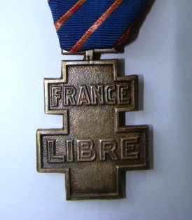 France Libre Cross: Which is 'right' please?