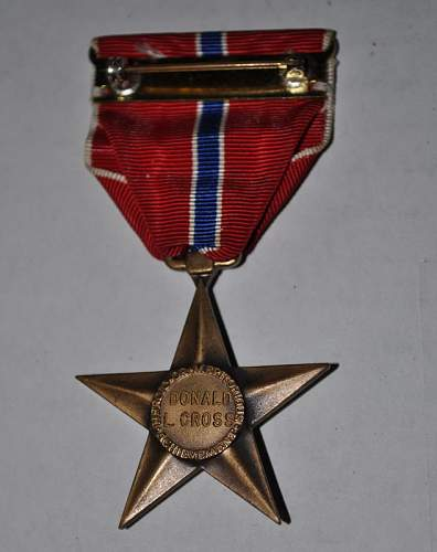 Bronze star medal engraving style