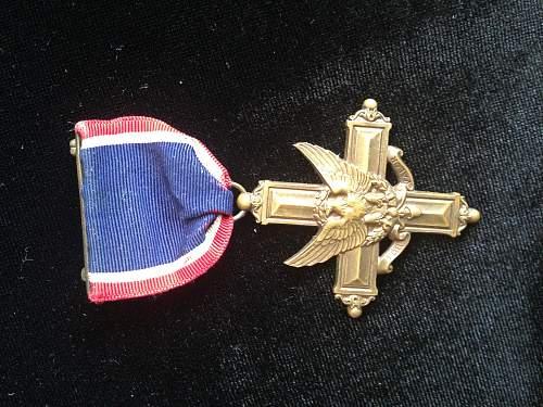 I found a WWI Distinguished Service Cross Medal Of Valor !!