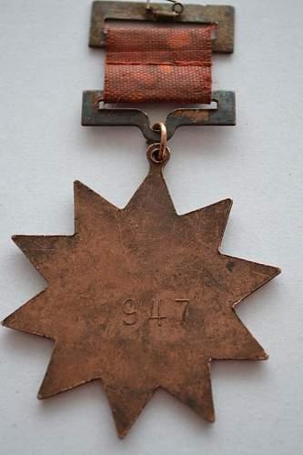 Click image for larger version.  Name:china-medalla-de-honor-al-heroe-de-guerra-9353-MLA20014587437_122013-F.jpg Views:87 Size:71.2 KB ID:614855