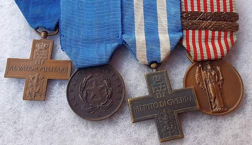 WW2 Italian medal bar with RARE Russian front valor issue