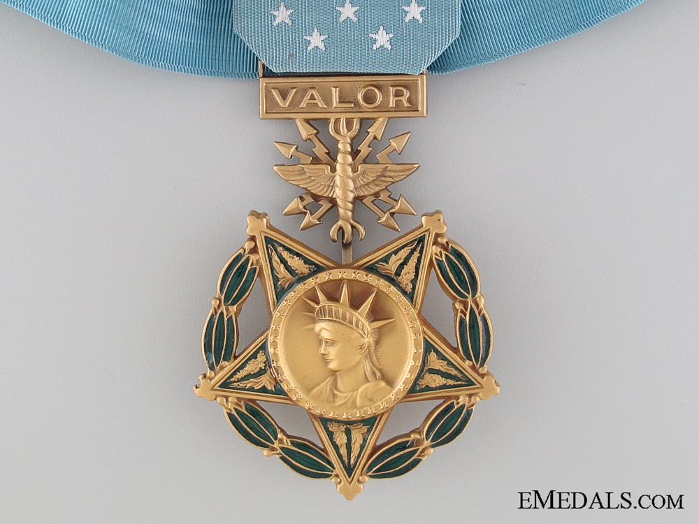 Question an american air force medal of honor for Air force awards and decoration