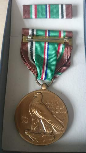 Small group of 4 US medals