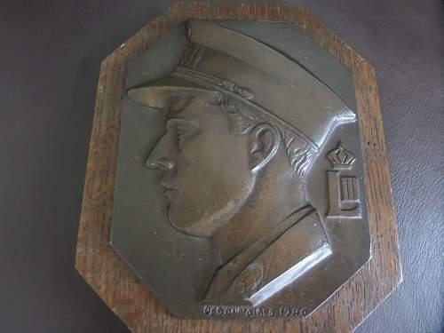 Bronze plaque help needed