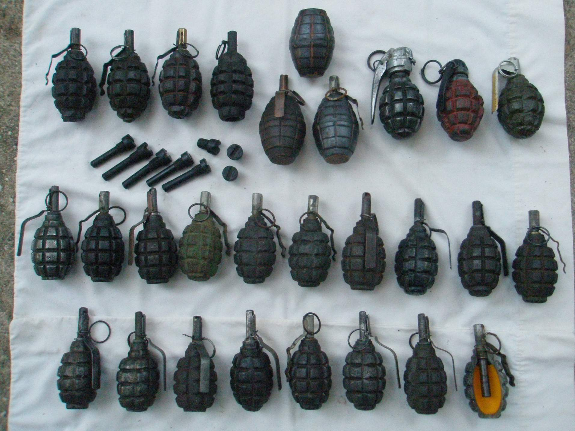 Pics Russian F1 War Time Grenade Possible French F1