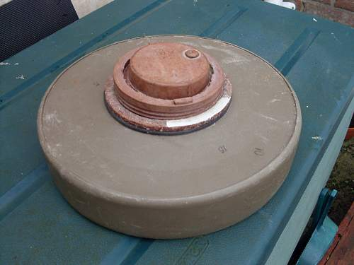 Click image for larger version.  Name:anti Tank Mine 002.jpg Views:194 Size:59.0 KB ID:443875