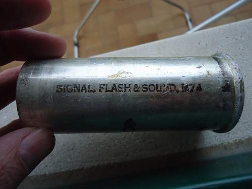 US Signal Flash and Sound M74 flare case