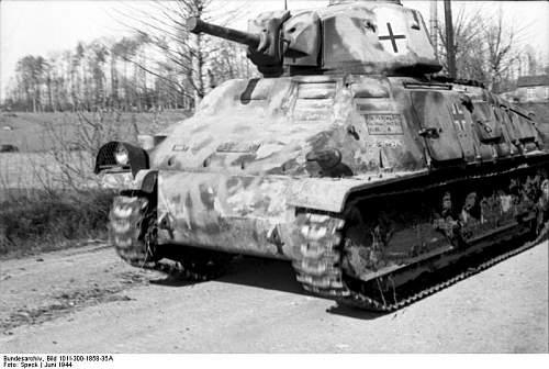 Click image for larger version.  Name:Bundesarchiv_Bild_101I-300-1858-35A,_Frankreich-Belgien,_Panzer_Somua_S35.jpg Views:252 Size:67.0 KB ID:451942