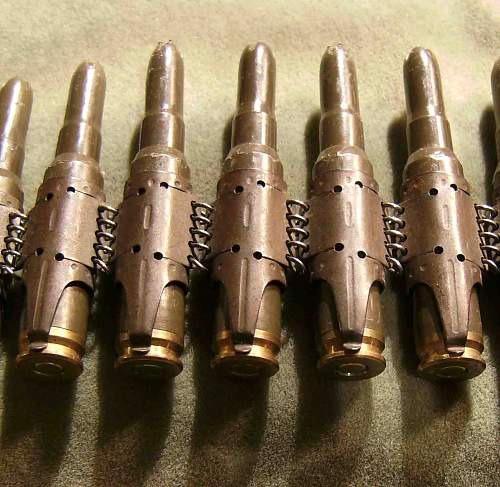 Click image for larger version.  Name:MG 34 belt 7.62 blanks a.jpg Views:317 Size:150.6 KB ID:54652