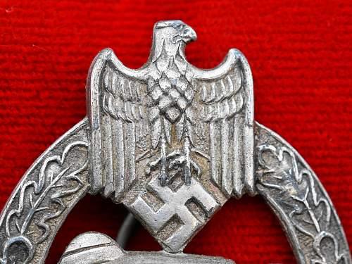 Panzerkampfabzeichen in Silber, AS in Triangle 3.3.2 Zinc 2nd die pattern