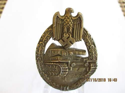 Panzerkampfabzeichen no maker mark bronze?