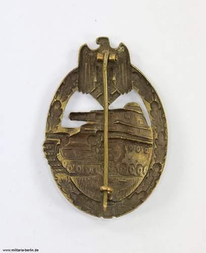 Panzerkampfabzeichen in Bronze (Karl Wurster, Markneukirchen - KWM) in Buntmetall