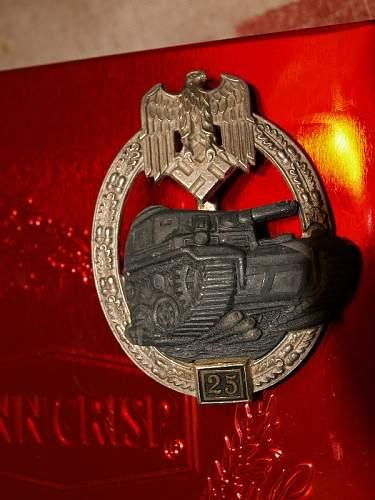 Click image for larger version.  Name:german badge 099.jpg Views:73 Size:136.0 KB ID:302114