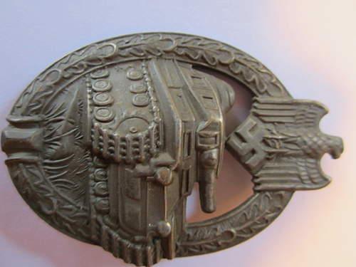 Bronze Panzerkampfabzeichen.