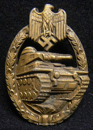 Need help on this hollow Panzerkampf Abzeichen