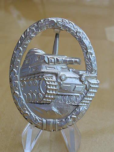 57er Panzerkampfabzeichen....