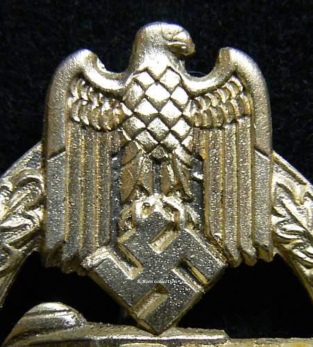 Bronze? Panzerkampfabzeichen made by  Rudolf Souval