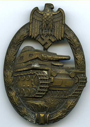 Panzerkampfabzeichen authentic or not?