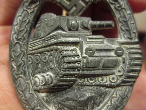 Click image for larger version.  Name:tank badge 001.jpg Views:31 Size:220.1 KB ID:535814