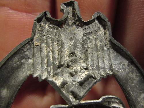 Click image for larger version.  Name:tank badge 010.jpg Views:31 Size:219.1 KB ID:535823