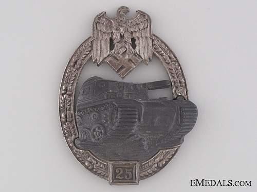 Panzerkampfabzeichen Badge 25