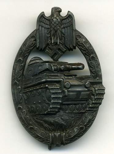 Panzerkampfabzeichen in Bronze by C.E.Juncker, Berlin.