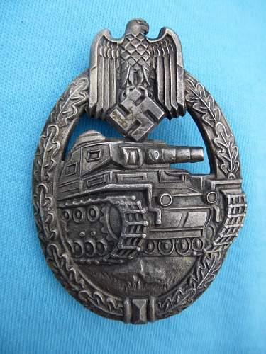 Click image for larger version.  Name:PANZER ASSAULT BADGE IN SILVER 1.jpg Views:59 Size:205.0 KB ID:784047