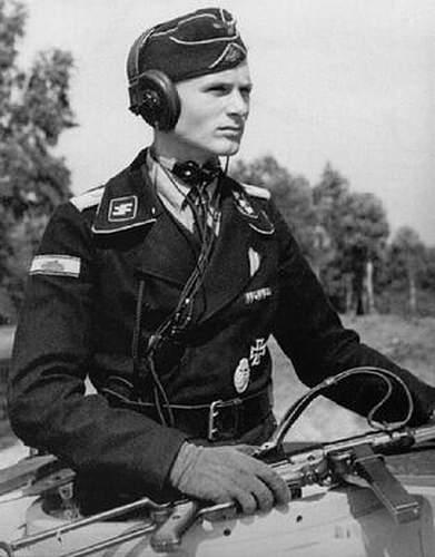 2 Cupal Panzerkampfabzeichen
