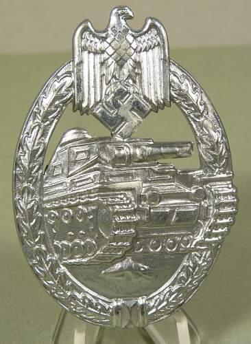 Panzerkampfabzeichen by Frank & Reif good?