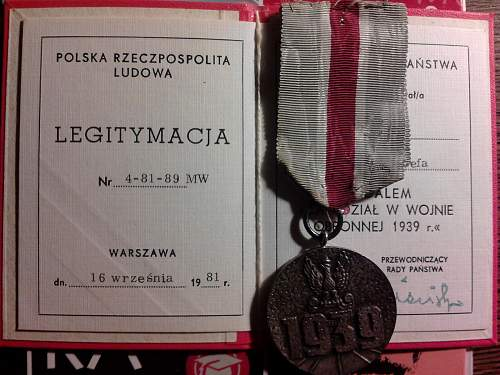 Medal Za udział w wojnie obronnej 1939 (Medal for the War of 1939) with document & miniature
