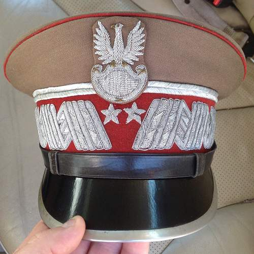 General hat for opinion