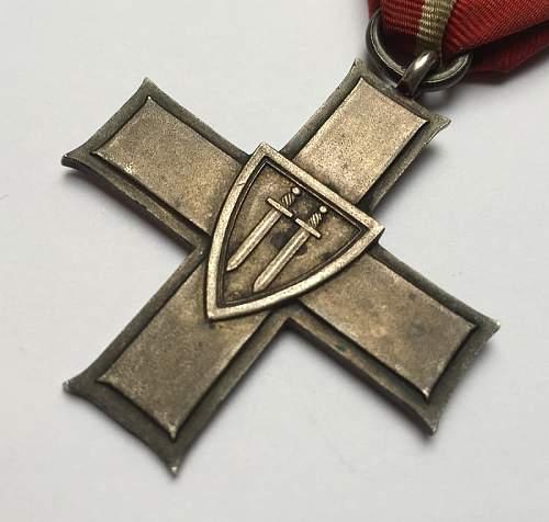 Cross of Grunwald - Advice on Authenticity needed please!!