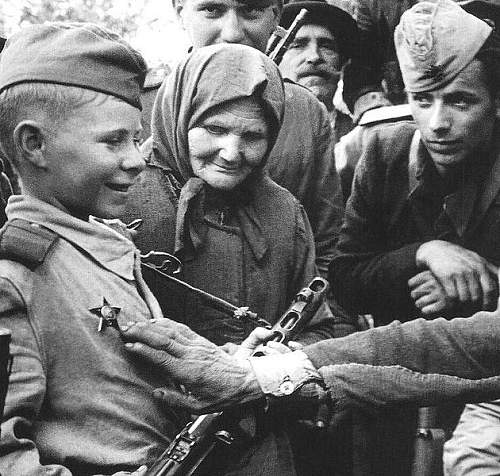 Click image for larger version.  Name:soviet-child-soldier.jpg Views:17 Size:98.2 KB ID:662537