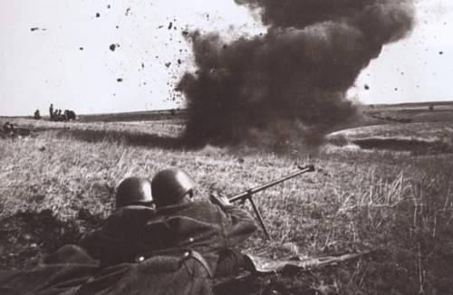 Click image for larger version.  Name:Soviet Army in WWII (746).jpg Views:153 Size:240.7 KB ID:674424