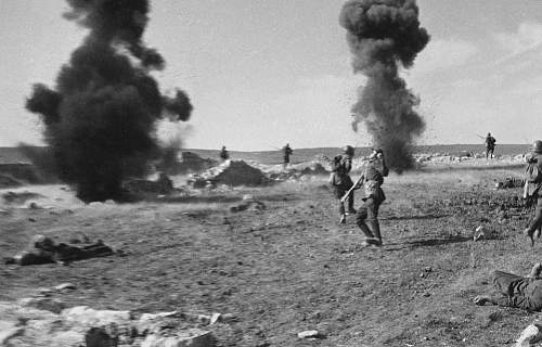 Click image for larger version.  Name:Anatolii Gagarin - Death of Soldier 2.jpg Views:49 Size:76.0 KB ID:675479